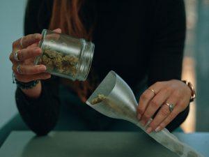 метод росина, rosin method, concentrate cannabis, mj, marijuana, ganja, янтарь, экстаркт конопли, механический процесс прессовки, пресс станок, как сделать концентрат марихуаны,